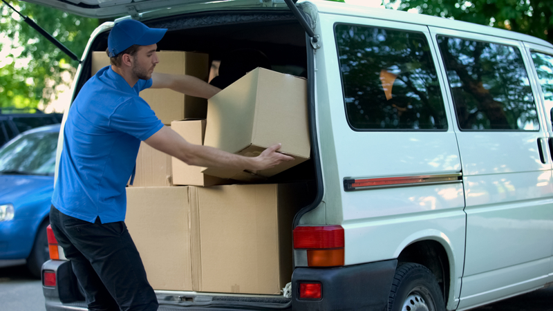 dreamstime_s_130417046 MOVING VAN-1